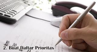 Buat Daftar Prioritas merupakan salah satu tips mudah kelola keuangan jelang lebaran