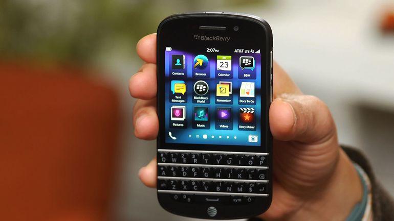 cara membuka layar blackberry q10