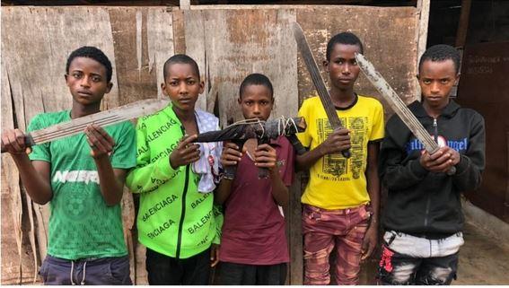 5 Teenage Boys Terrorizing People On Lagos-Ibadan Highway