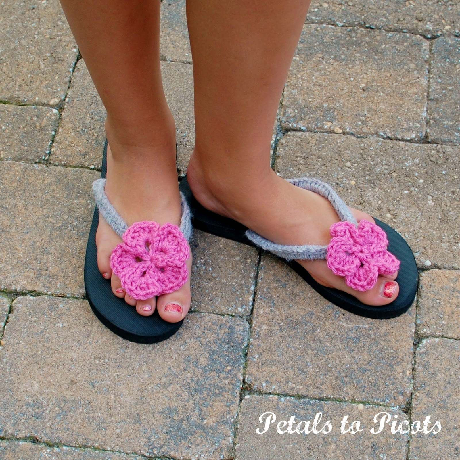 36e9116a417eb Crocheted Flip Flops  Part 2 – Little Sister Version
