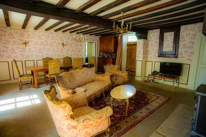 Louis Philippe canapé, d'occasion, ancien canape, Manoir decor, Toile de jouy papierpeint,