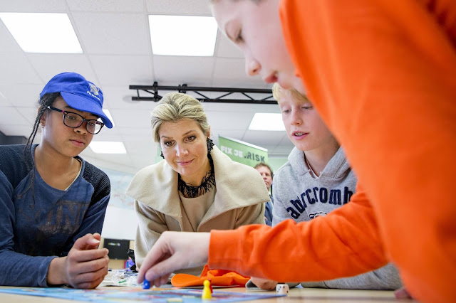 Queen Maxima of The Netherlands opens the Money week 2015 at primary school OBS West in Capelle aan de IJssel, The Netherlands,