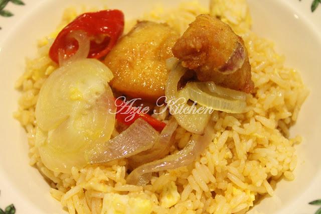 Nasi Goreng Kampung Dan Ayam Goreng