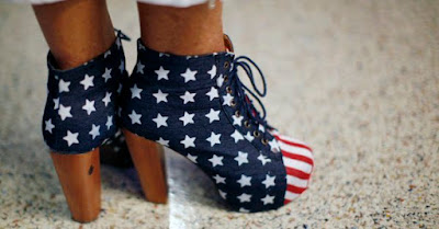 https://1.bp.blogspot.com/-0nb3e0PiIlw/WXfYRBeFPUI/AAAAAAAAYuU/ulvOs4tIfScJFoxZ4f70HBcQILVbjZawwCLcBGAs/s1600/patriotic%2Bshoes.jpg