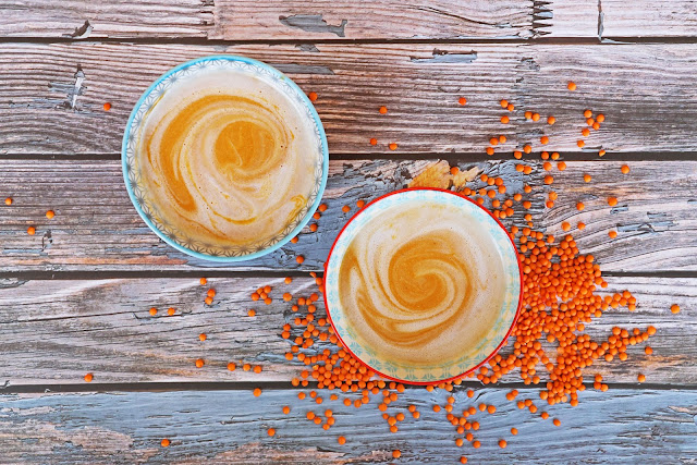 Συνταγή για Σούπα Βελουτέ με Κόκκινες Φακές και Γάλα Καρύδας