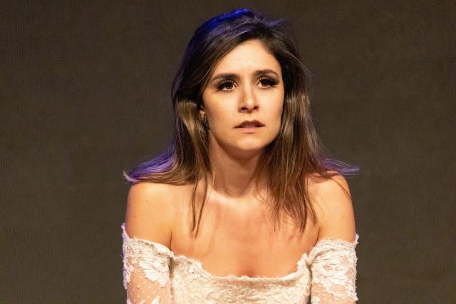 Mundo da Arte: A versatilidade da atriz Camila Santanioni