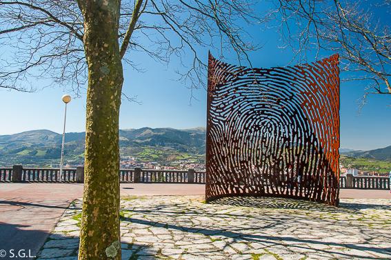 La huella en el mirador de Artxanda. Bilbao por una bilbaina