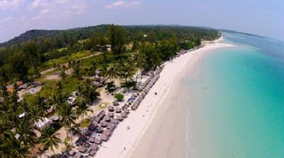 Trikora, Pantai Cantik Tujuan Wisata dan Berdoa