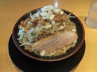 家系二郎ラーメン (麺固め、味濃いめ)