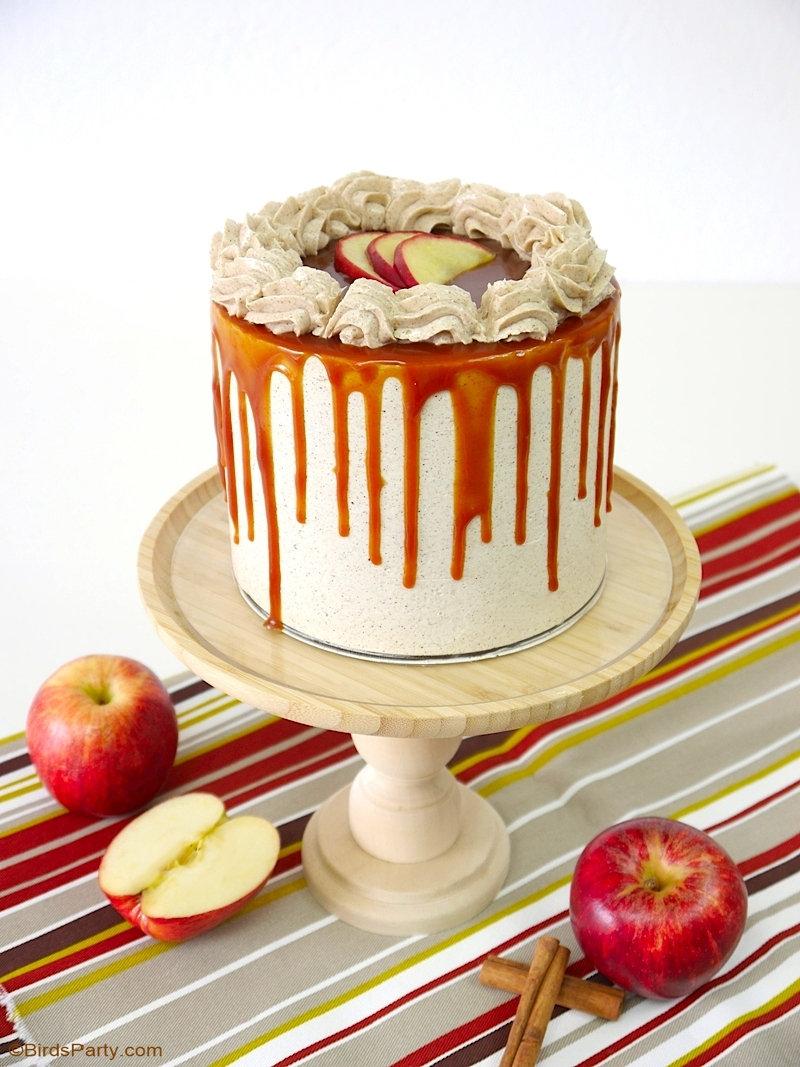 Gâteau Layer Cake Pommes Cannelle et Caramel Beurre Salé - recette délicieuse pour une dessert ou fête anniversaire d'automne! by BirdsParty.com @birdsparty #pommes #recettepommes #caramel #caramelbeurresale #gateaux #layercake #gateauxpommes #pommescaramel #gateaupommescaramel
