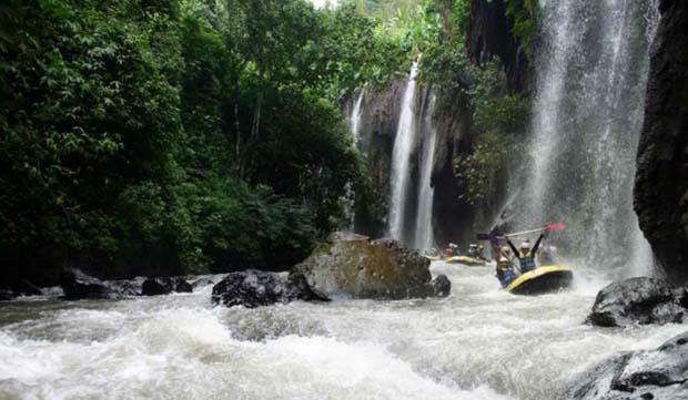 Keindahan alam Dan Arung Jeram Sungai Manna
