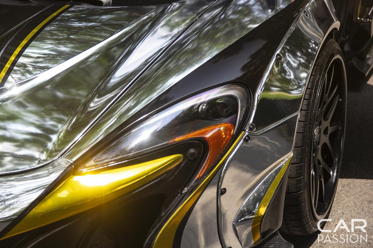Ngắm siêu xe McLaren 650S Spider độ Liberty Walk tại Việt Nam
