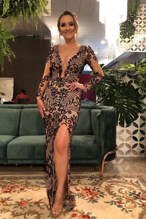 vestido longo bordado marsala