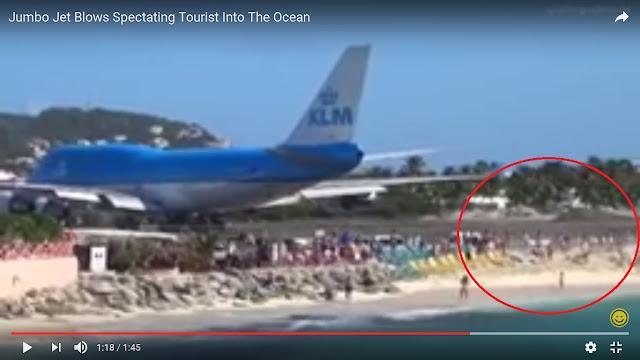 Video Puluhan Turis Terhempas ke Laut Akibat Disembur Mesin Pesawat Jet