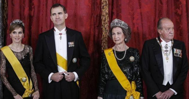 La formación política vasca EH Bildu se pregunta: ¿Para qué sirve un Rey?