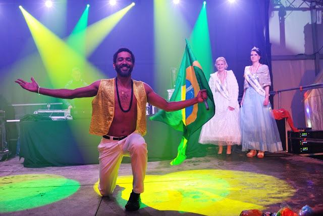 Photo du carnaval de Rioz en Haute Saone :Ambiance Brésil