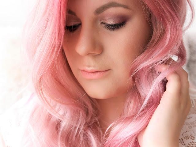 barevné masky maria nila růžová