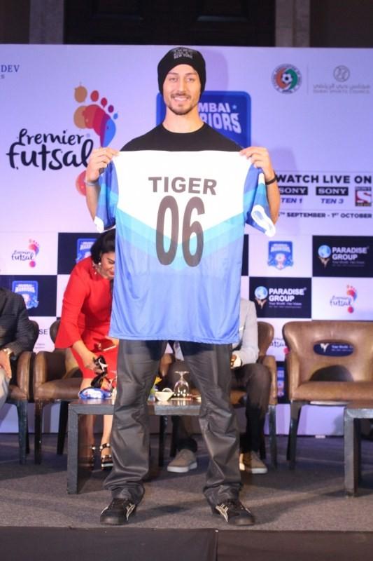 Tiger Shroff Launches Mumbai Warriors Season 2 Jersey