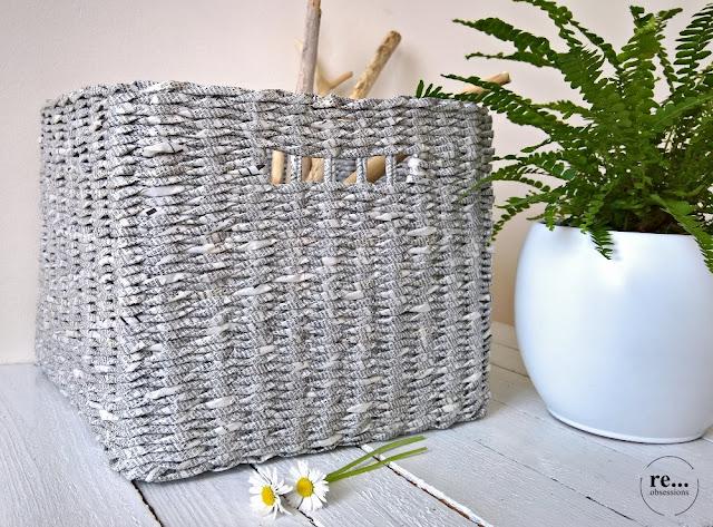 basket, phone book recycle, weaving, paper wicker, wicker, papierowa wiklina, koszyk, książka telefoniczna