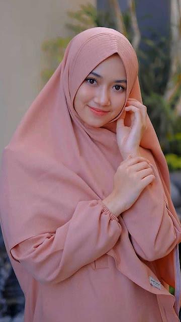 22 Best Collection of Beautiful Girls in Hijab HD Wallpapers for Android and iPhone | Bidadari Muslimah Cantik Berjilbab