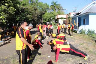 Polres Pelabuhan Makassar Gelar Tes Kesamaptaan Jasmani Berkala Semester II Tahun 2021