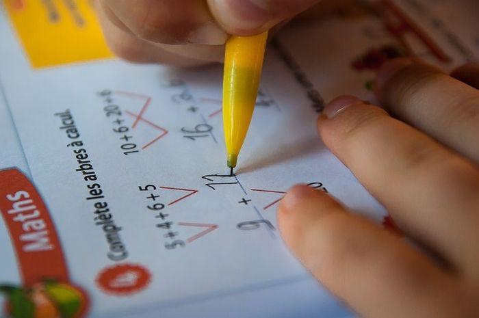 Duh! Frustasi Ajari Anak Matematika, Pria Ini Sampai Kena Serangan Jantung