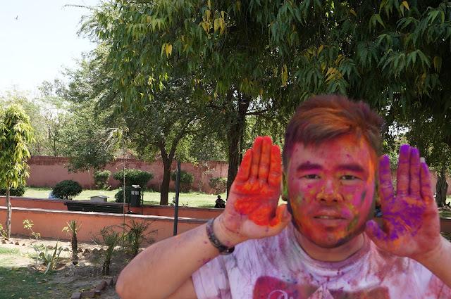 Tukang Jalan Jajan di Festival Holi di Jaipur, India