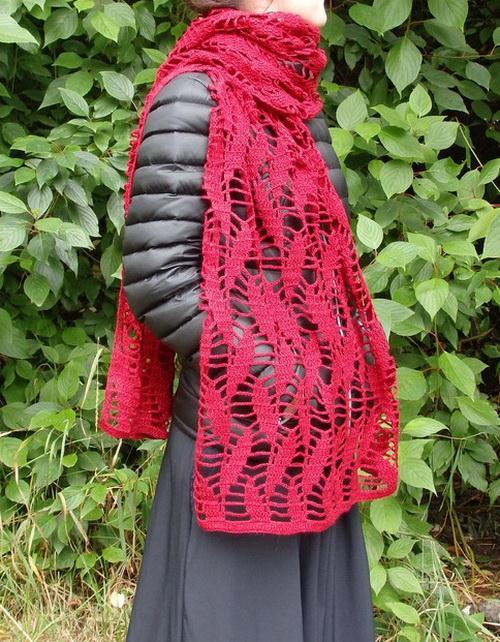 Free Crochet Pattern Of An Easy Wrap - Simple leaf patterned