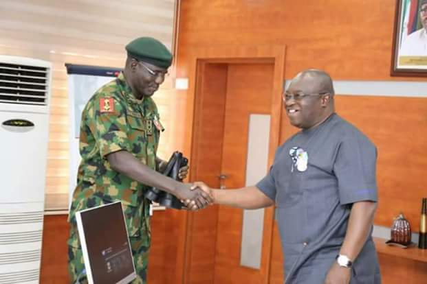 Governor Ikpeazu Presents Made-In-Aba Army Boot To COAS, Buratai (Photos)