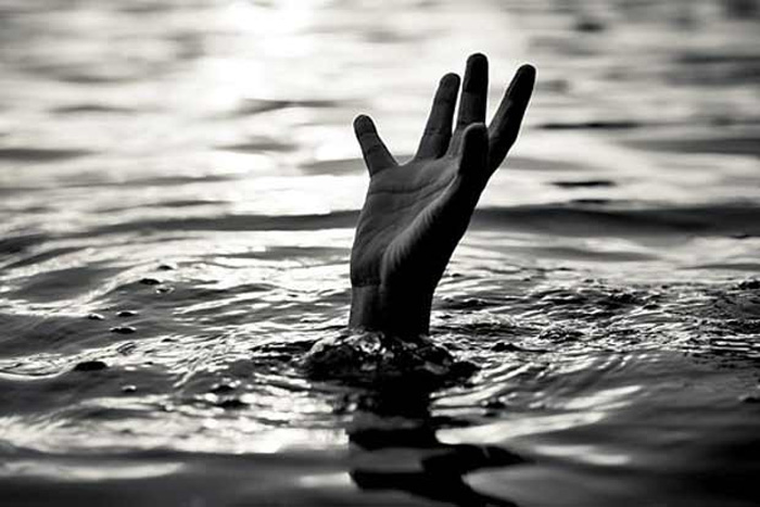 News, National, Death, Friends, Birthday Celebration, Missing, Police, Drowned, Four friends celebrating birthday drown in Godavari river