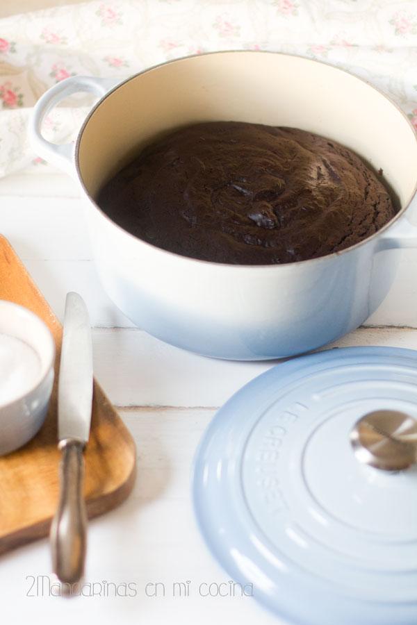 como preparar bizcocho de chocolate y vino tinto en cocotte
