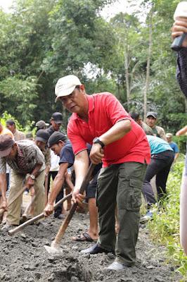 Gubernur Kalsel Raih Anugerah Adhitya Karya Mahatva Yodha