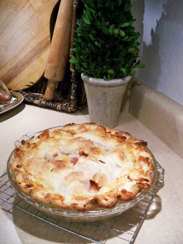 Summer's Fresh Fruit - Easy Best Peach Pie Ever