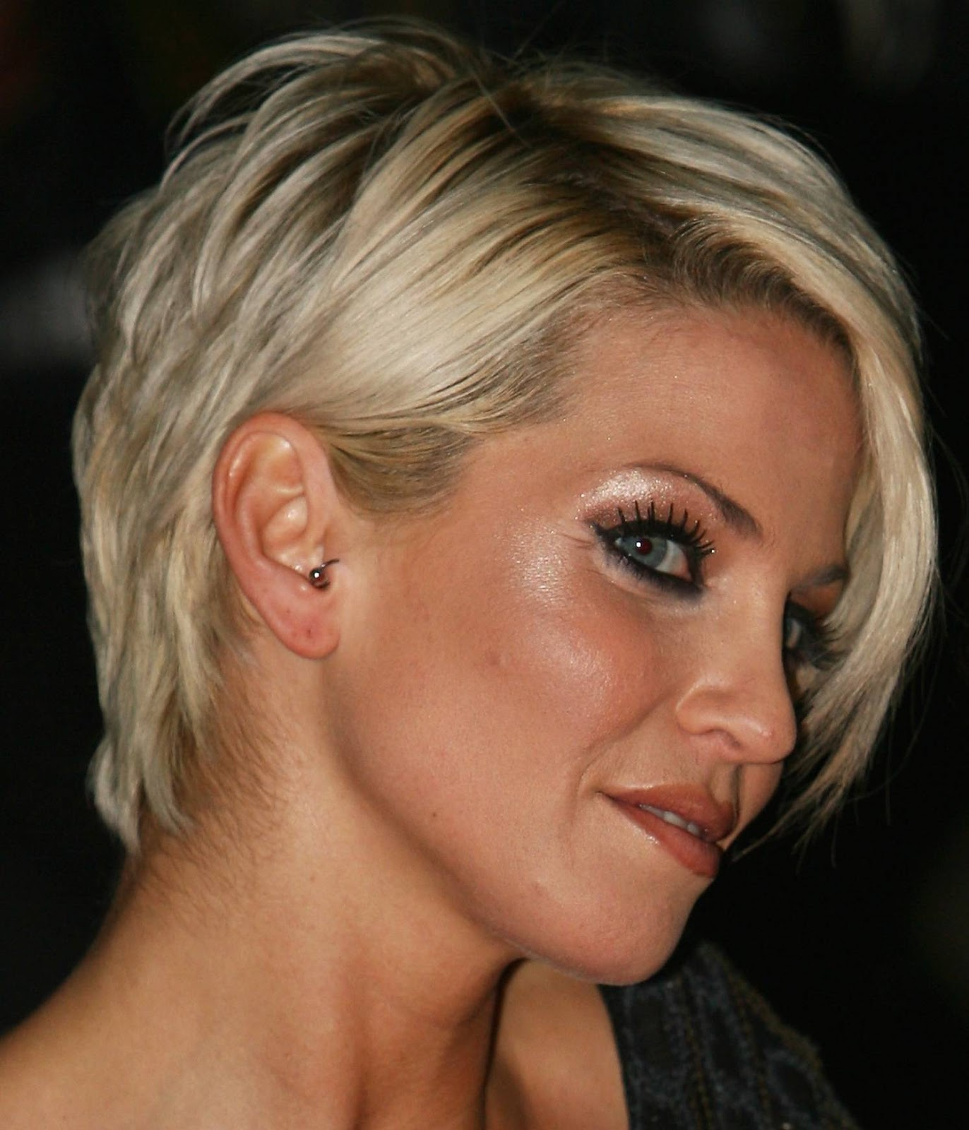 Sensational Short Hairstyle For Square Face Short Hairstyles Gunalazisus