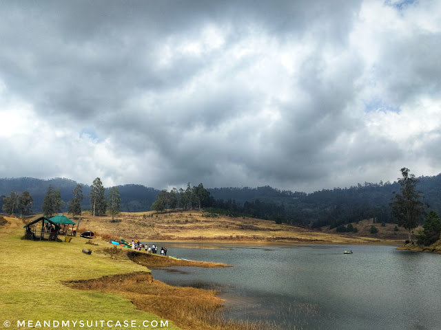 Mannavanur Lake is in the centre of Mannavanur grassland which is an ecotourism site maintained by Tamil Nadu tourism