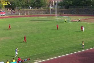 Απαράδεκτο ball boy σε ποδοσφαιρικό αγώνα - ΒΙΝΤΕΟ
