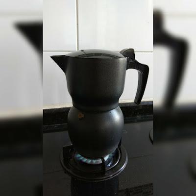 Cafeteira no fogo
