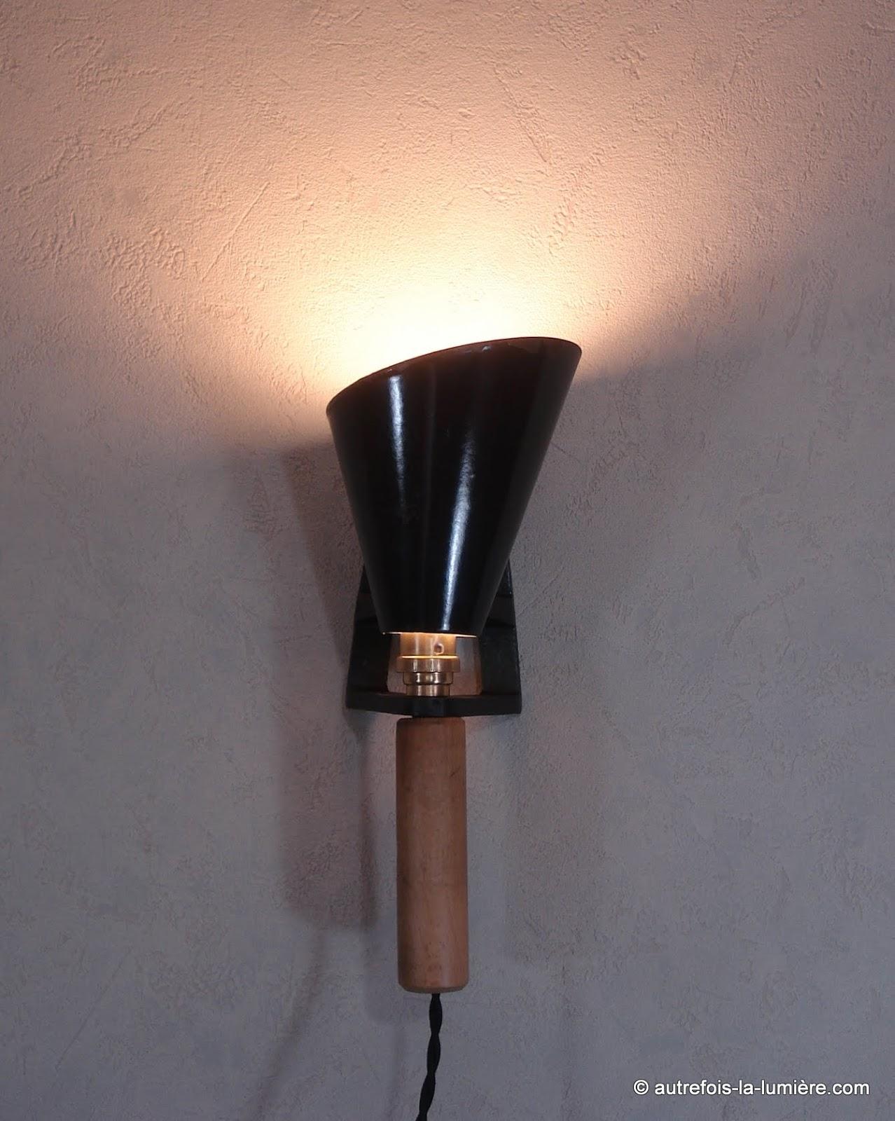lampe de bureau bon pour les yeux. Black Bedroom Furniture Sets. Home Design Ideas