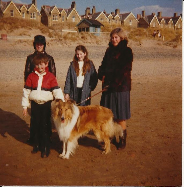 Steph as a child with mum and brothers and lassie dog