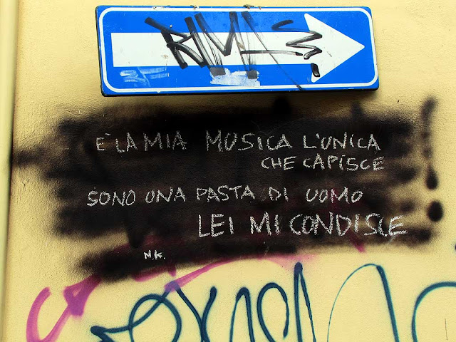Love poem on a wall, via Gramsci, Livorno