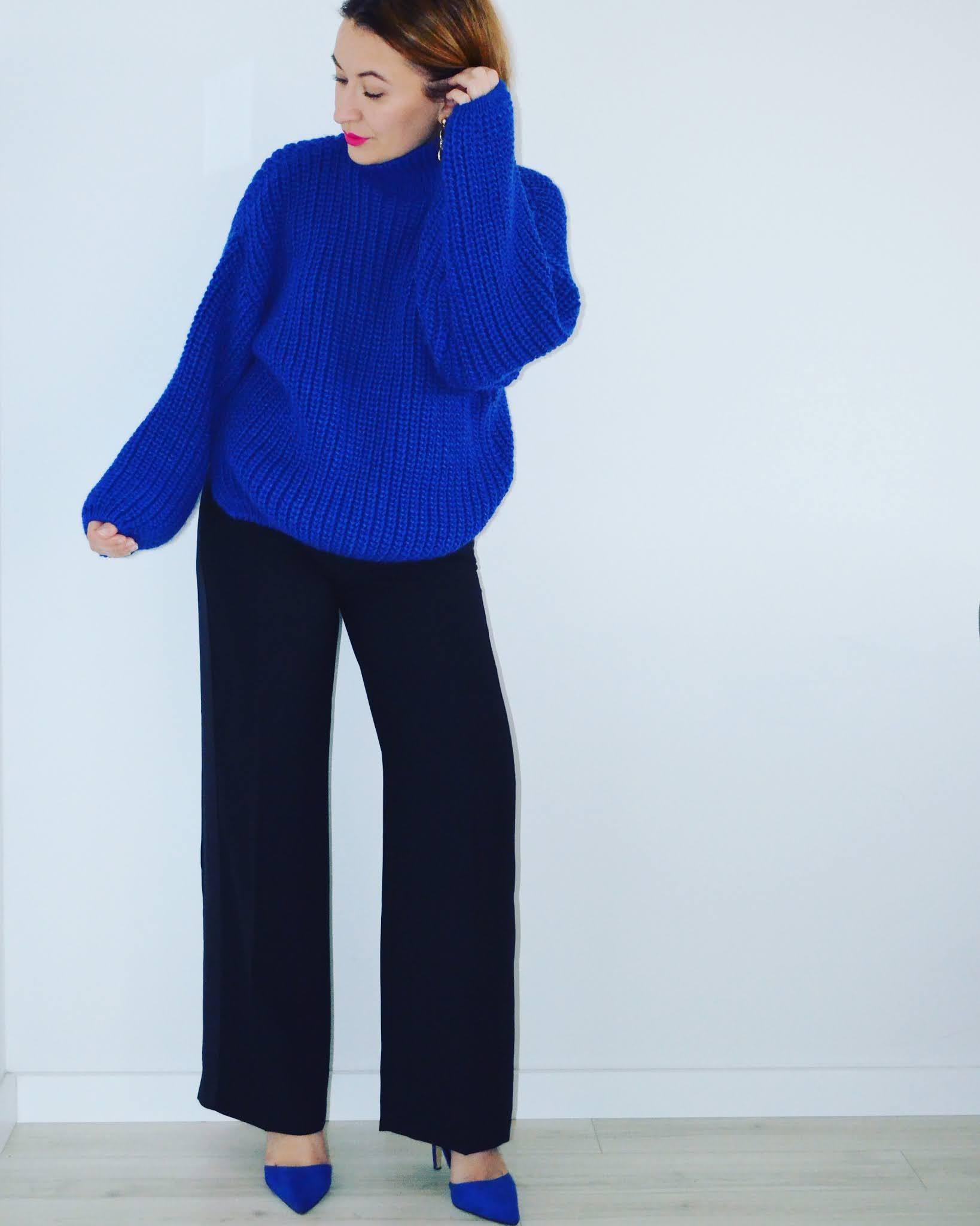 Kobaltowy Swetr Laurella;Laurella Cobalt Sweater;www.adriana-style.com;blogerka modowa 40+;blogerka 40+;styl 40+;kobieta po czterdziestce;spodnie z szeroką nogawką;kobaltowe szpilki;moda;fashion;