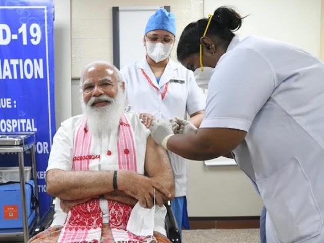 मोदी जी ने लगवाई कोरोना वैक्सीन, कहा- आओ साथ मिलकर भारत को कोरोना मुक्त बनाएं