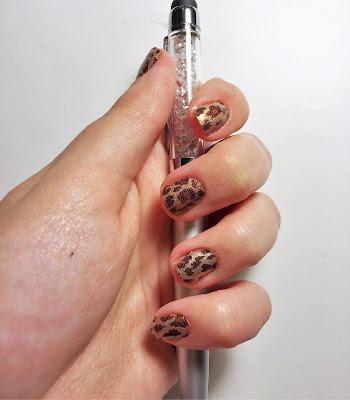 Sally Hansen Salon Insta Gel strips Walk the Catwalk manicure