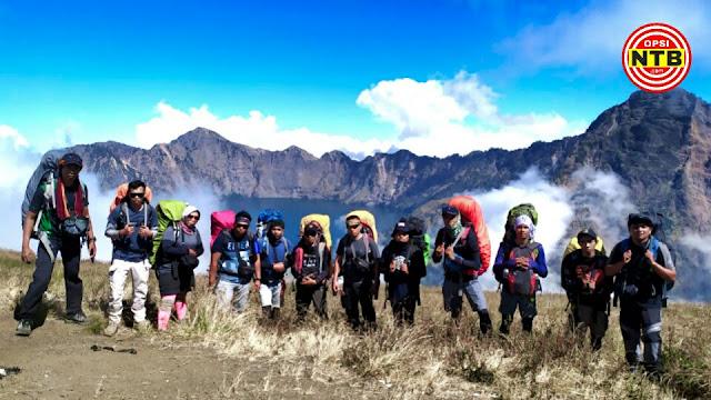 Tahun Baru, Tak ada Kembang Api di Gunung Rinjani. Pendakian Ditutup 3 Bulan