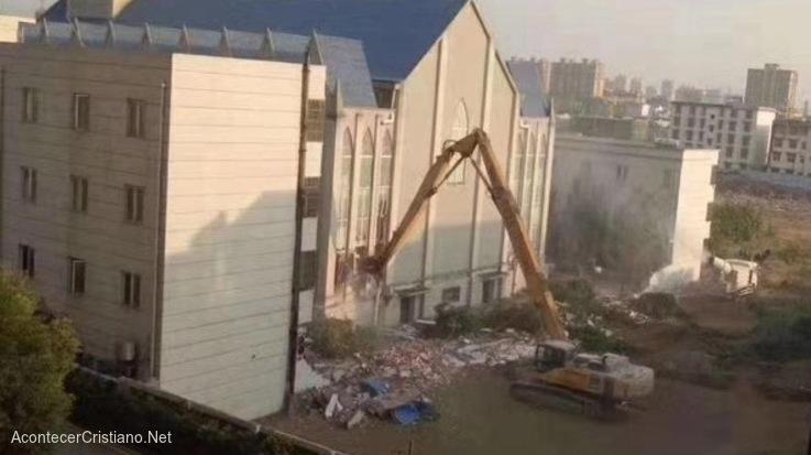 Demuelen mega iglesia en China