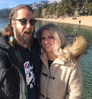Josh Blue clicking selfie with his girlfriend Mercy Gold