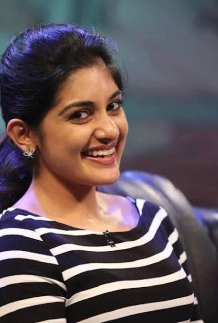 South Indian Actress Niveda Thomas Latest Stills Navel Queens