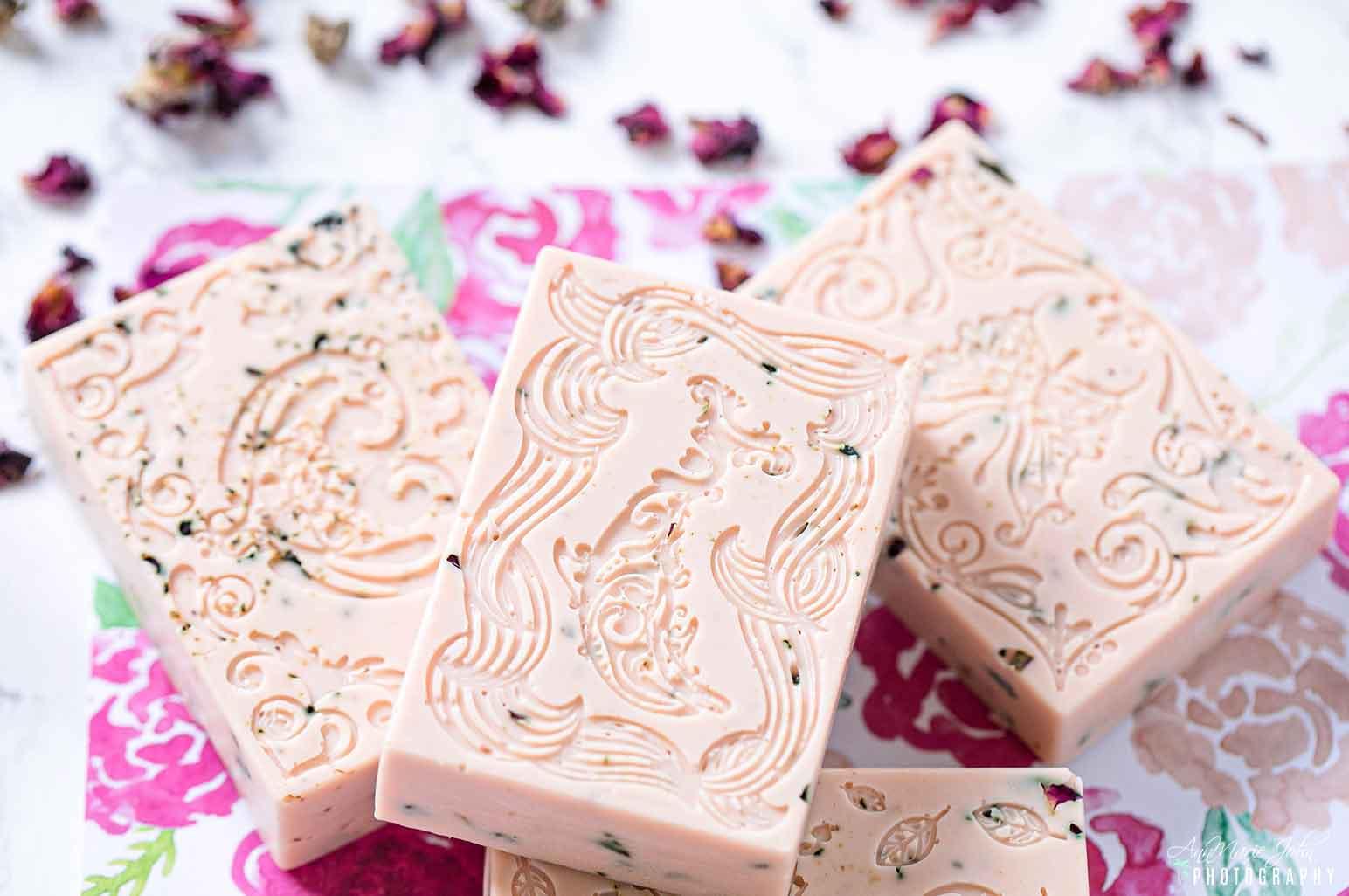 DIY Vanilla Rosebuds Petals Soap