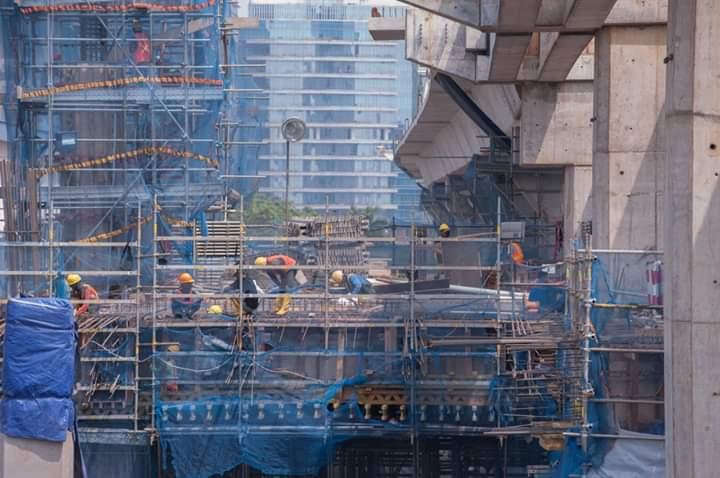 Surat Mengharukan Anies Baswedan untuk Pekerja MRT Langsung Viral
