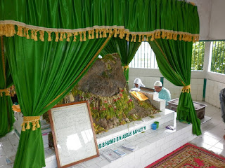 Ziarah Kuburan karamek Kok Balarang